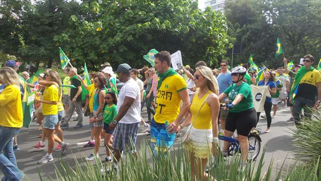 100 mil manifestantes pediram o impeachment da presidente Dilma Rousseff