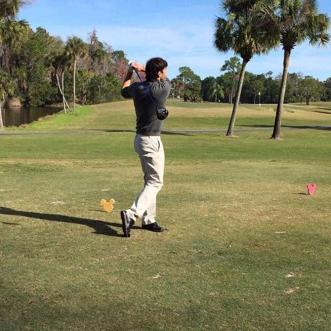Kaká também aproveita sua folga no Orlando City para arriscar umas tacadas nos campos de golfe