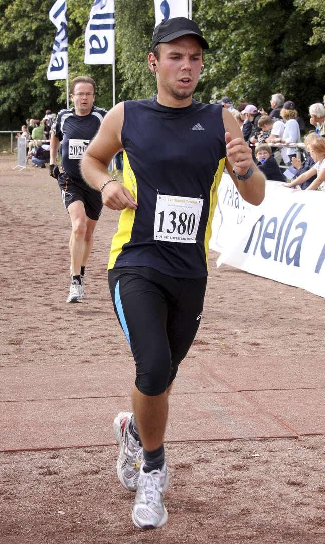 <p>O copiloto do voo da Germanwings, Andreas Lubitz, em foto de arquivo tirada durante meia maratona em 2009</p>