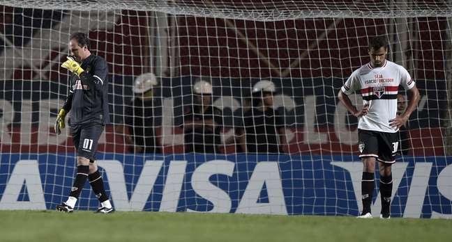 <p>São Paulo foi derrotado pelo San Lorenzo na Argentina</p>
