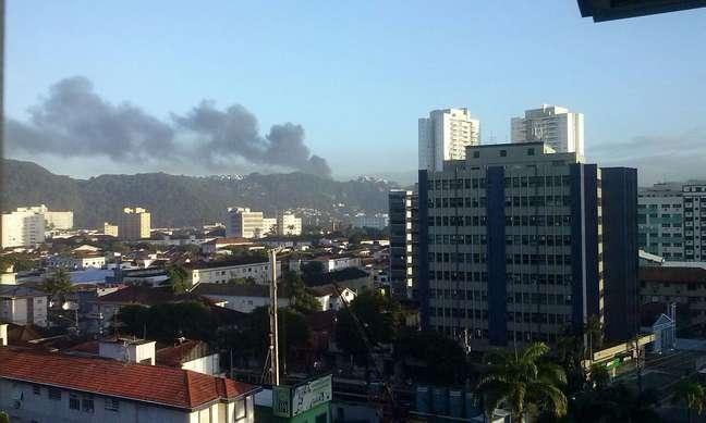 <p>Trabalho em Santos mobiliza 140bombeiros e 49 viaturas</p>