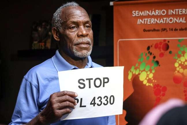 <p>Glover manifestou sua solidariedade aos trabalhadores brasileiros e se posicionoucontra o projeto de lei 4330, que regulamenta a terceirização</p>