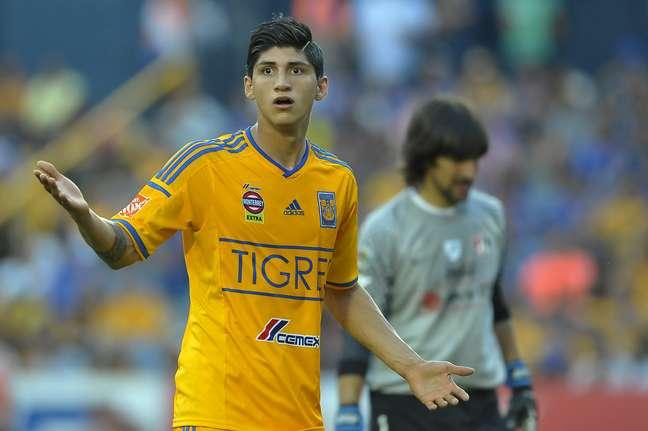 Alan Paulido já defendeu até a seleção mexicana de futebol