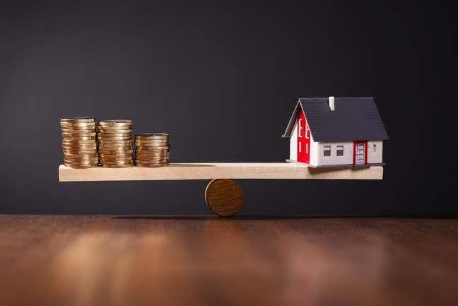 Uma solução é o prévio ajuste de que o comprador ficará responsável pela quitação integral do saldo financiado