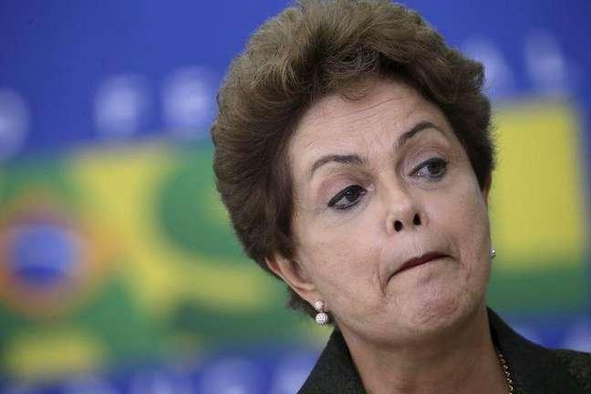 Presidente Dilma Rousseff usou as redes sociais na manhã desta sexta-feira para fazer seu discurso do 1º de maio