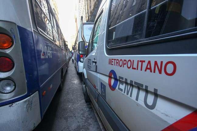 Veículos fazem parte do sistema da EMTU