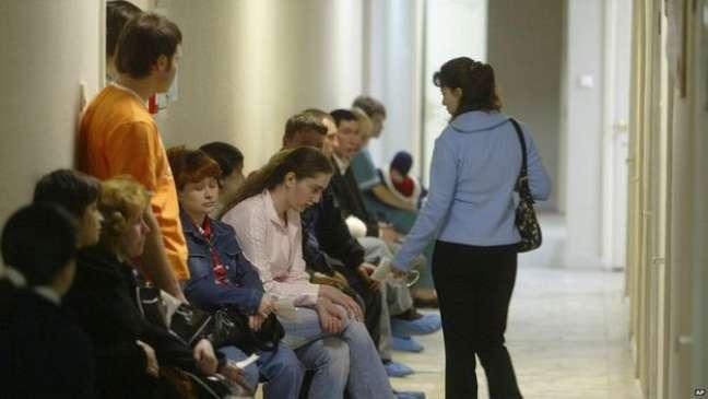 A sala de espera em um centro regional de tratamento da Aids na Rússia
