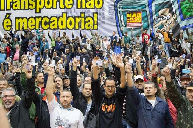 Metroviários aceitaram proposta do governo e não haverá greve nesta terça