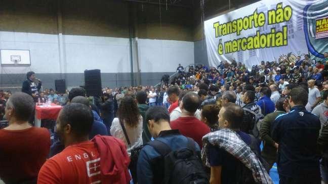 Trabalhadores realizaram assembleia na zona leste de São Paulo