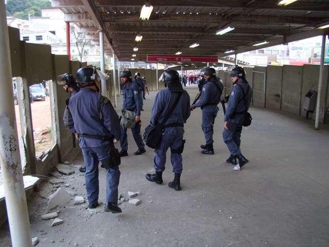 A PM foi acionada para conter a depredação na estação