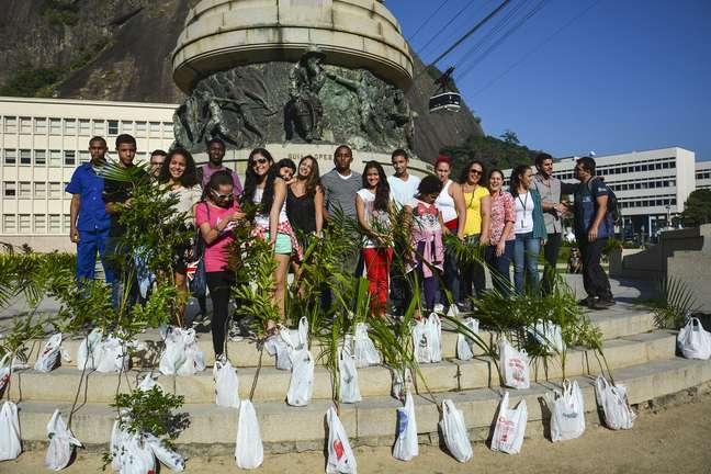 A Companhia Caminho Aéreo Pão de Açúcar, em parceria com o Grupo Pão de Açúcar Verde, promoveu um mutirão de plantio de espécies nativas da Mata Atlântica, em celebração ao Dia Mundial do Meio Ambiente