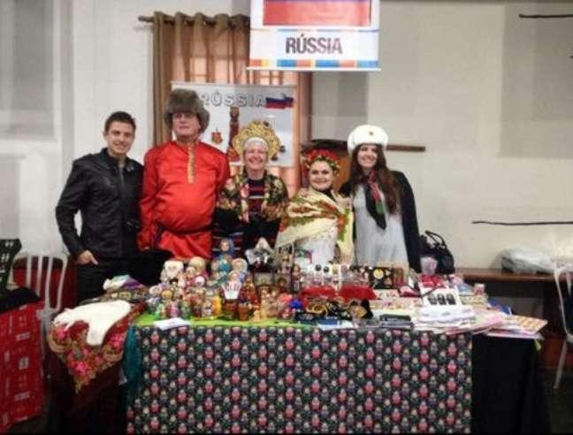 Irina e membros do grupo Volga