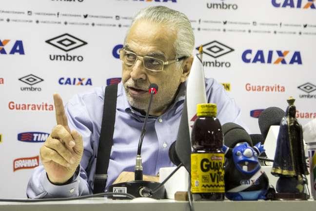 Eurico Miranda criticou postura de Léo Moura