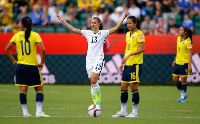 A musa Alex Morgan anotou um dos gols dos EUA na vitória sobre a Colômbia