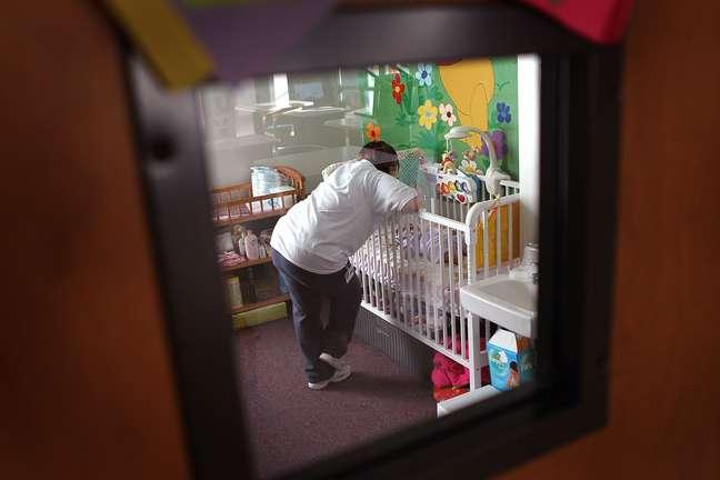 Bebês nascidos em presídios podem ficar expostos à condições precárias para seu desenvolvimento