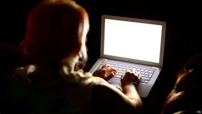 Hoje, tecnicamente, os Estados Unidos podem 'desligar a internet' de qualquer país.