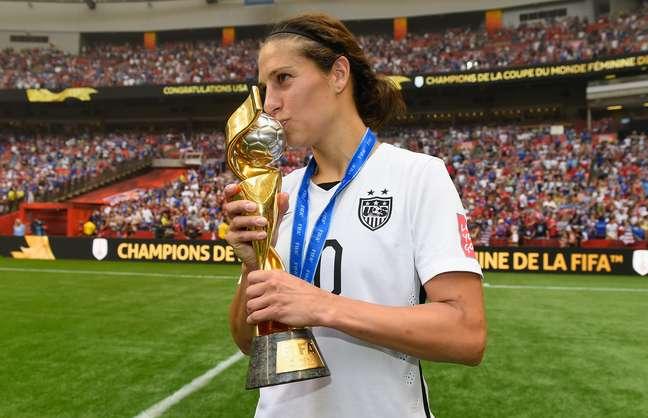 Carli Lloyd fez três gols na final, foi coartilheira e eleita a craque do Mundial