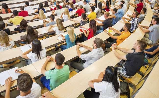 Pesquisa recomenda que a base comum contribua para tornar o estudo mais atrativo ao aluno