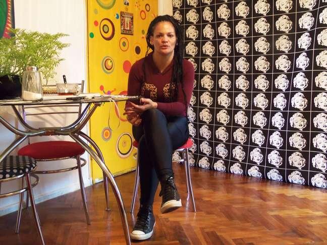 Laura é neta da ex-escrava Laureana Cairô