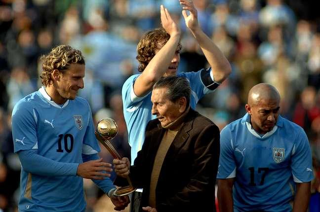 Ghiggia já foi inúmeras vezes homenageado no Uruguai