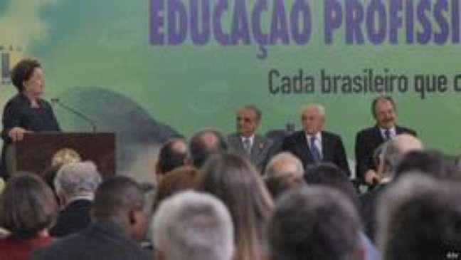 Dilma em evento do Pronatec: promessas de mais 12 milhões de vagas
