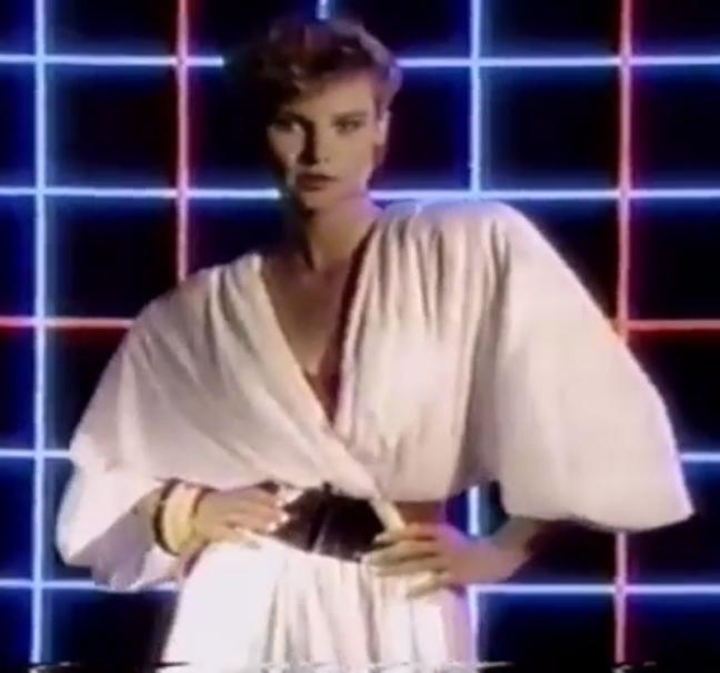 Ter uma roupa com manga de morcego era ser chique nos anos 80