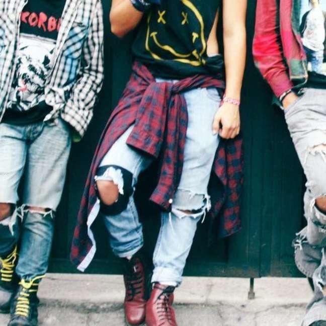 Popularizado pelo grupo de rock Nirvana, o grunge se tornou símbolo de rebeldia para os jovens dos anos 90