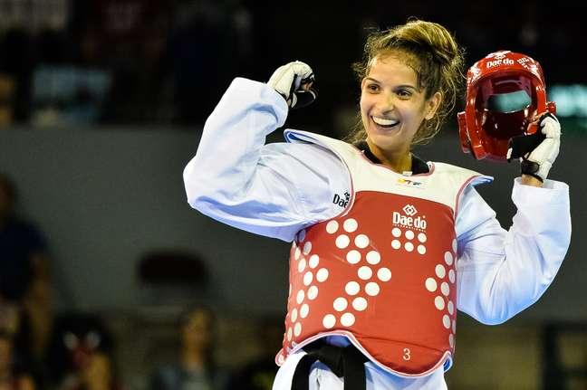 Raphaella Galacho comemora vitória e medalha de bronze