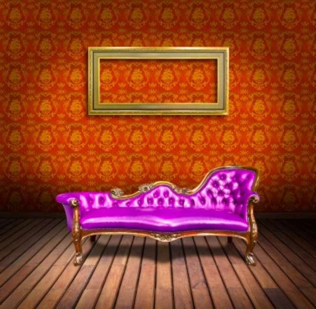 Loja devolve dinheiro, cancela a compra e não vem retirar o sofá