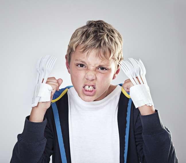 Será que no futuro as crianças não vão precisar inventar maneiras de imitar as garras de adamantium com garfos ou outros objetos?