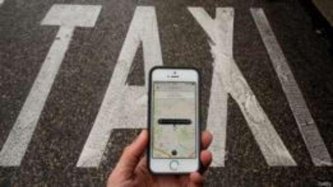 Serviço de caronas pagas do Uber é alvo de projetos de leis em diversas cidades do país