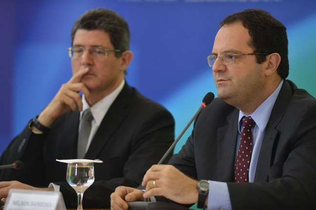 Ministros da Fazenda, Joaquim Levy, e do Planejamento, Nelson Barbosa, anunciam medidas