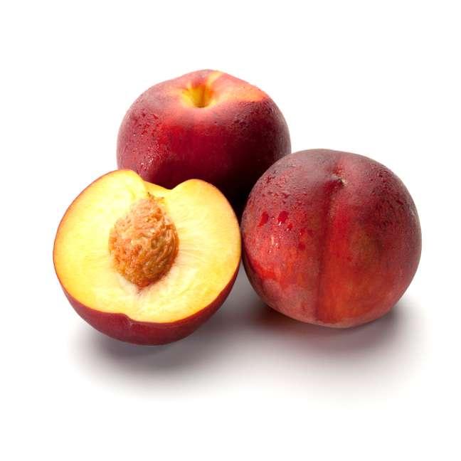 Glicosídeos cianogênicos podem ser encontrados nas sementes de maçãs e no interior das sementes de ameixas, pêssegos e cerejas