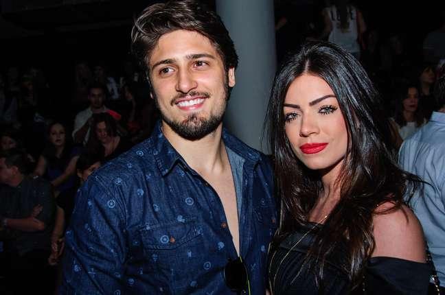 Daniel Rocha com a namorada