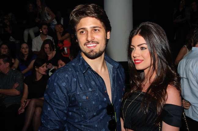 Daniel Rocha e a namorada
