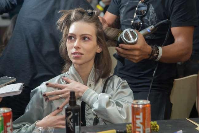 Modelo conta que adorou o novo comprimento e não sente falta do cabelo antigo