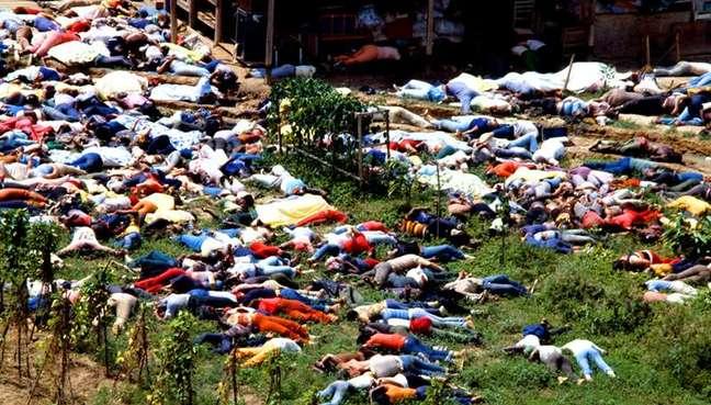 Corpos de habitantes de Jonestown