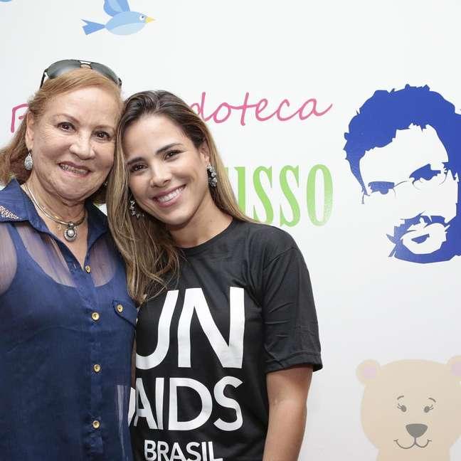 Wanessa conheceu Carminha Manfredini, mãe do cantor Renato Russo