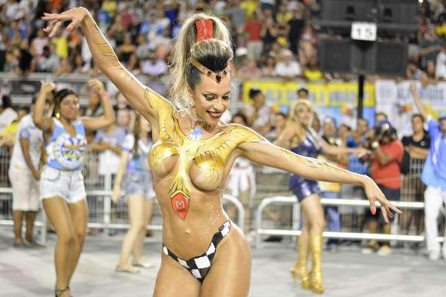 Ana Paula Ferrari não economizou na ousadia durante o último ensaio técnico da escola de samba em São Paulo.