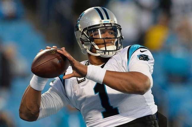 Cam Newton correu 10 vezes para touchdown nesta temporada