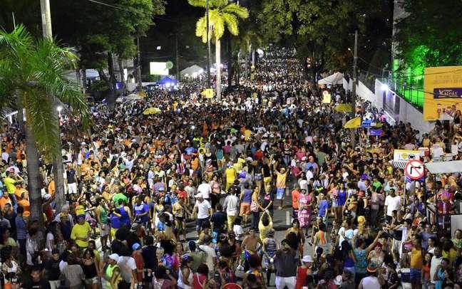 Entre os dias 6 e 8, a cidade se concentra na Av. Duarte da Silveira para assistir os desfiles e apresentações do chamado Carnaval Tradição, que mistura escolas de samba, tribos indígenas, orquestras, ursos carnavalescos e batucadas