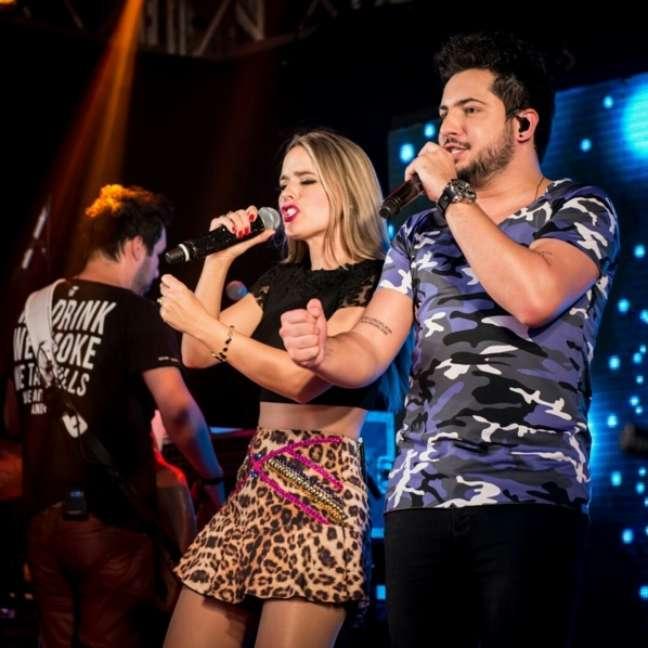 Os hits da dupla remetem a situações vividas por jovens e adultos