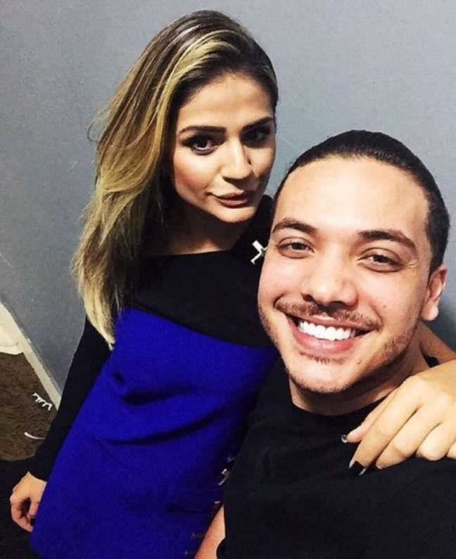 Nem a blogueira Thassia Naves escapou da tietagem do ídolo maior do Brasil na atualidade