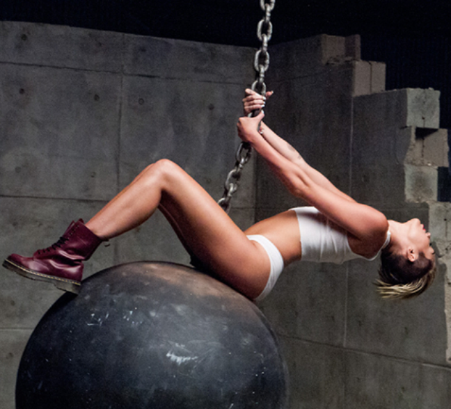 O resultado veio com o sucesso Wrecking Ball, que mostrou uma Miley visivelmente machucada. A cantora apareceu completamente nua no clipe da música e disse que isso era importante para mostrar o quanto ela se sentia vulnerável