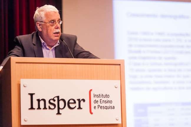 Affonso Celso Pastore é economista ex-presidente do Banco Central