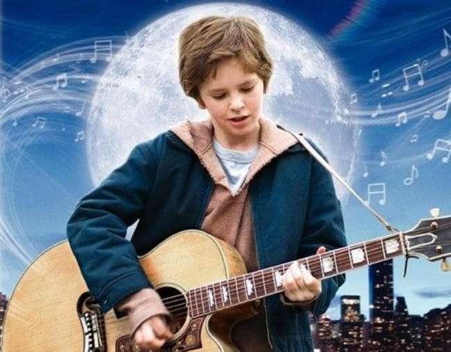 No filme, Evan Taylor foge do orfanato onde mora para procurar pelos pais, guiado apenas pela esperança
