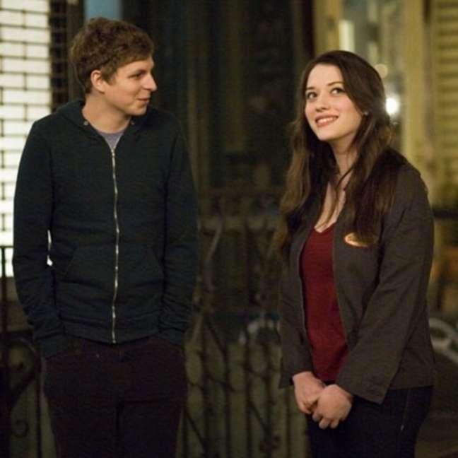 Nick e Norah são dois adolescentes que acabam se unindo para procurar pelos amigos e descobrem que são mais parecidos do que imaginavam
