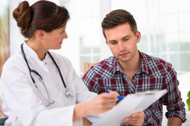 Existem diferentes causas benignas para os nódulos testiculares