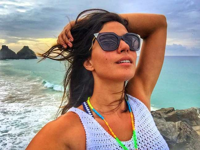 Carol Castro posa para foto em Fernando de Noronha. Fotos: Reprodução, Instagram
