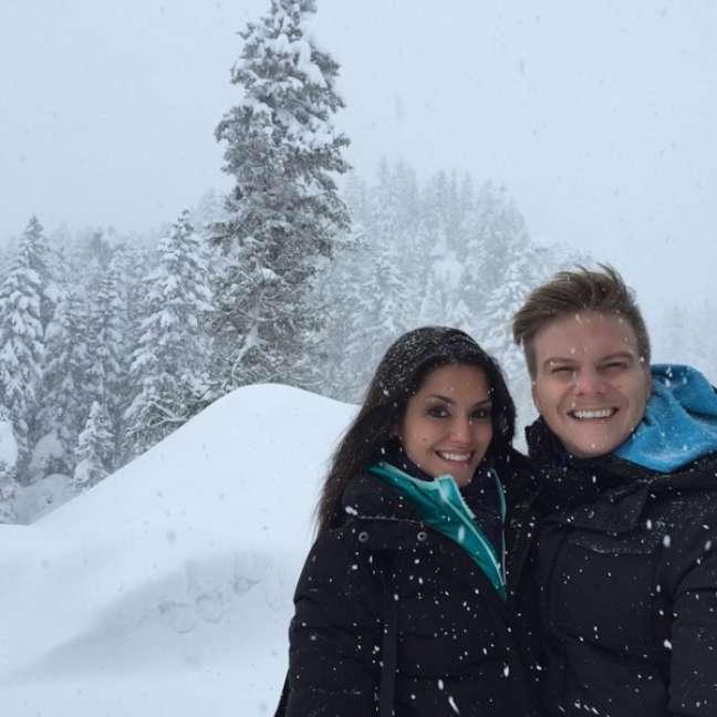 Seja na praia, seja na neve, os dois garantem que o melhor de tudo é estar na companhia do outro